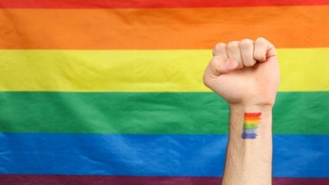 性同一性障害(性別違和)とは?特徴や原因、種類まで【当事者が解説】